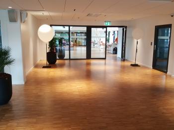 Presentationsbild för referensen Golvläggning slipning och behandling av trägolv på Ellos Borås