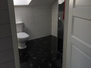 Bild för referens Konsument jobb badrum